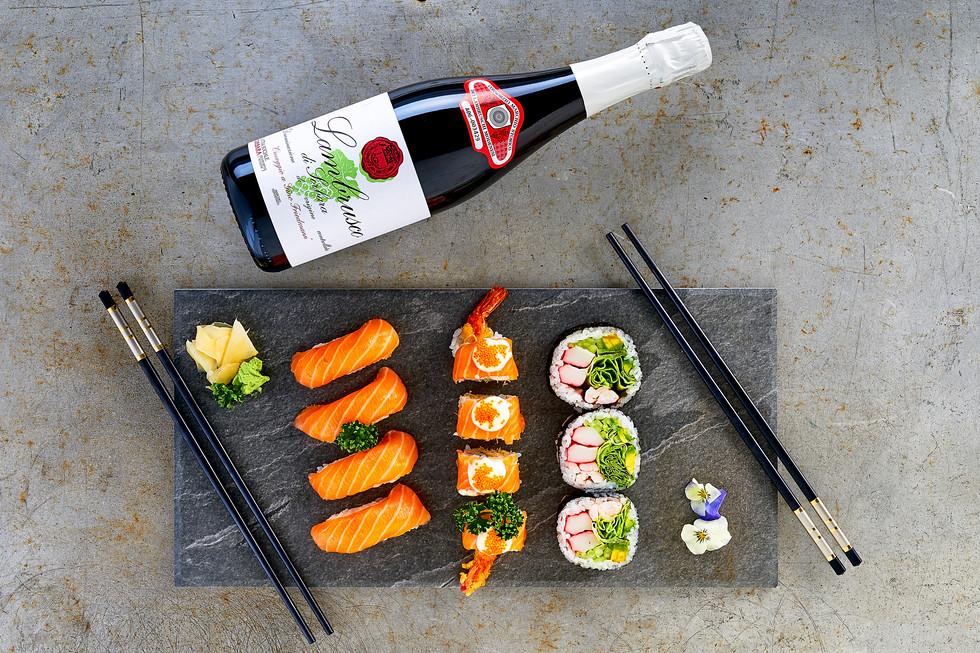 wine_bottle_still_sushi-2.jpg