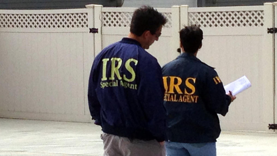 Couple arrested, owes $2.6M to IRS