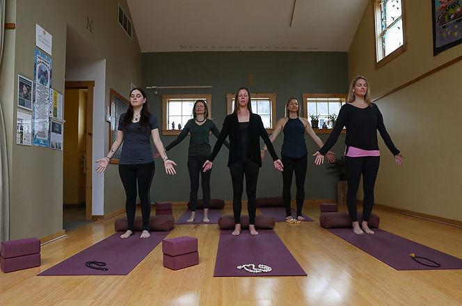 Barefoot Yoga (9 of 24).jpg