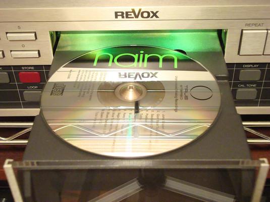 Ieri il dilemma era: LP o CD? Oggi è: CD o liquida?
