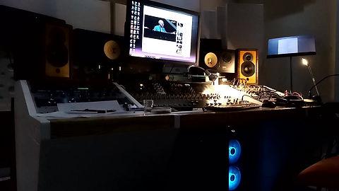 sinatra in studio