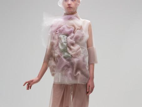 Ying Gao'nun Renklere Tepki Veren Robotik Kıyafetleri