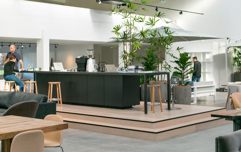 Show piece wooden platform