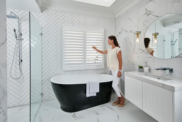 Shutters Bathroom - Murray's Wallpaper &