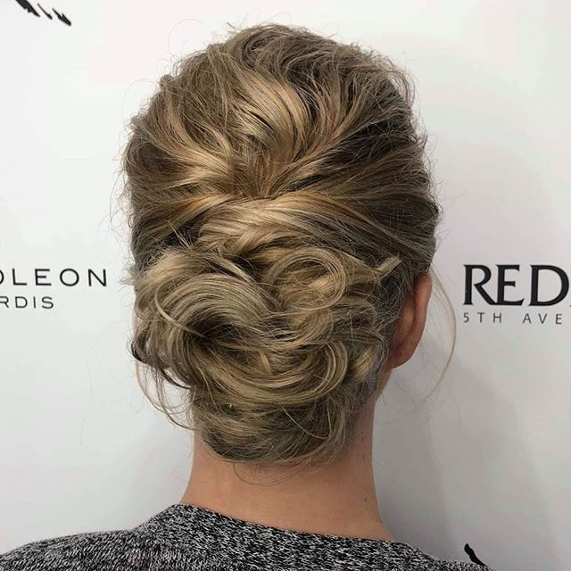 Elegant Upstyle By Senior Stylist _nicha