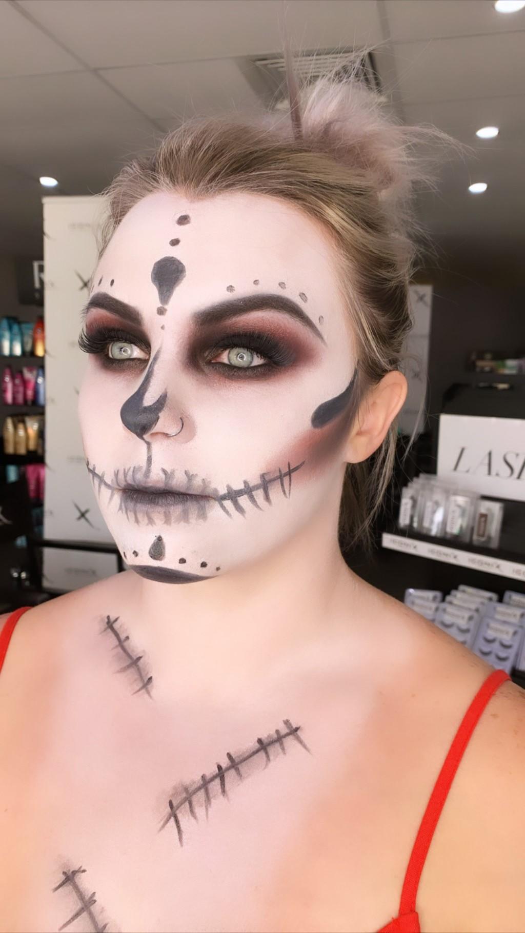 Fancy dress makeup, halloween makeup, creatyive makeup