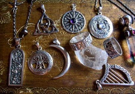 Amulettes, Talismans et Pentacles