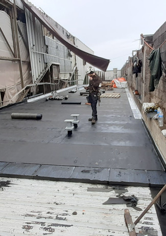 Foam Glass en toiture + revêtement bitument plancher machine SMURFIT KAPPA