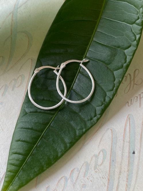 Sterling Silver Light Oval Hoops
