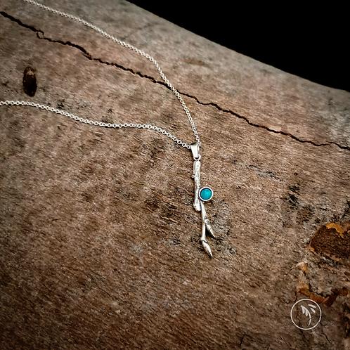 Pendentif ramille et pierre