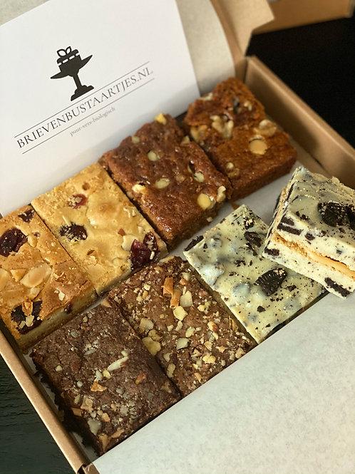 Taartbox 6 pers. 25 stuks:  Karamel brownie, Oreo fudge, Brownie & Blondie