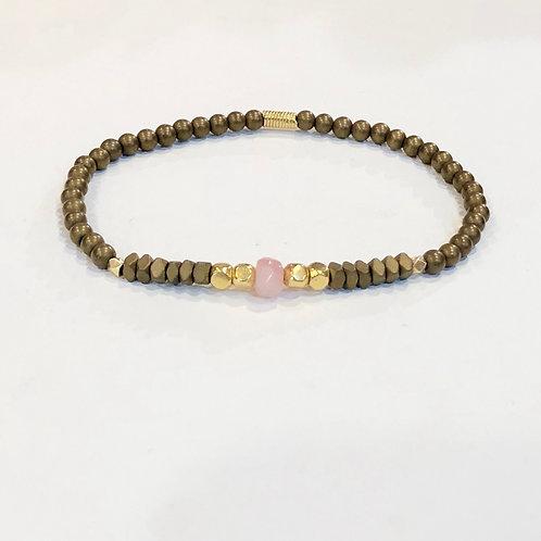Pink opal, 18K, hematite