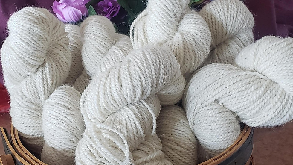Noah's White , 3 ply, Worsted