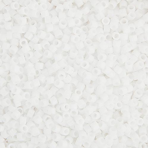 0200 DB 11/0 RD Chalk White 50g