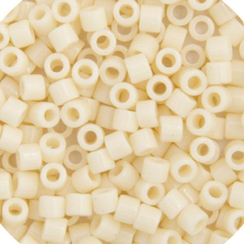 0732 DB 11/0 RD Dark Cream