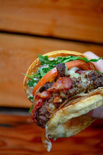 Cobblestone Bistro Burger-8.jpg