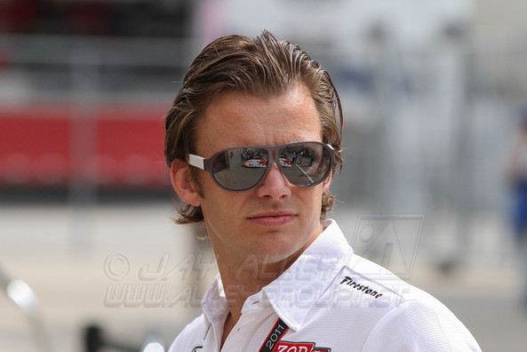 Dan Wheldon 4061 Photo by Jay Alley.jpg