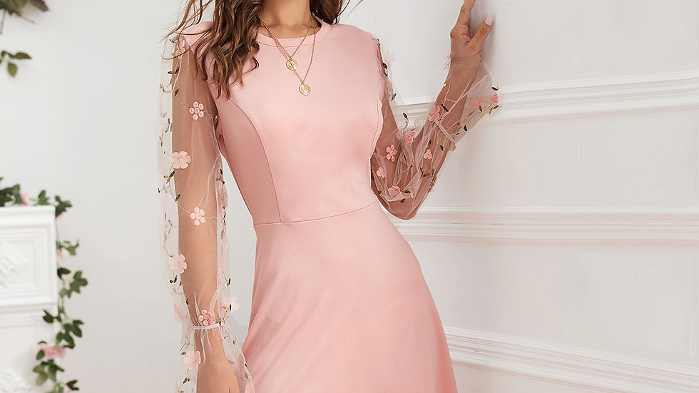 Appliques Scallop Trim Dress Without Necklace