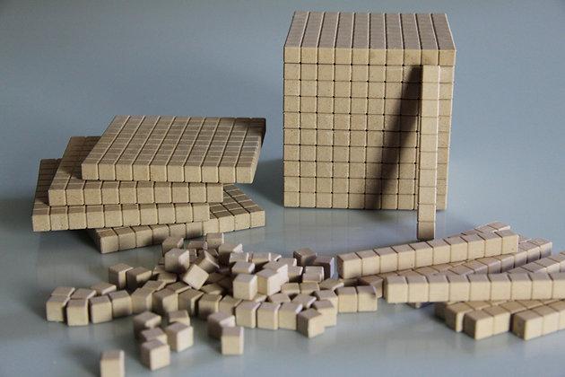 Introduction au système décimal- 121 pièces