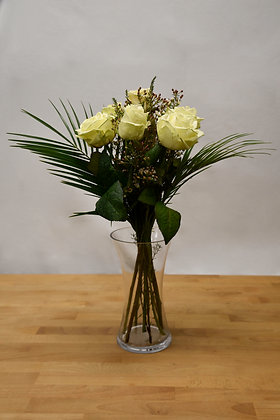 6 Avalanche white roses