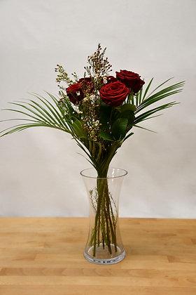 6 Naomi red roses