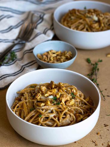 Spaghetti with Fennel cream and walnut