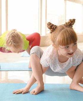 Samadhi Yoga Studio Yoga enfants.jpg