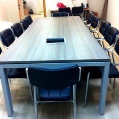 שולחן ישיבות 4.jpg