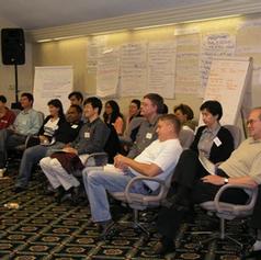לאחר שהוצגו כל התסריטים כל הקבוצה מזהה את החלקים הדומים המייצגים את השאיפות המשותפות של האנשים בחדר
