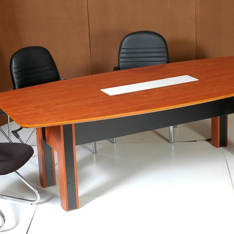 שולחן ישיבות 2.jpg