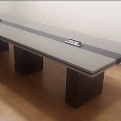 שולחן ישיבות 3.png