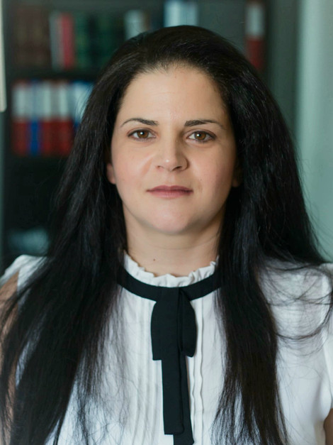 שירי עובדיה אלמגור   עורכת דין ומגשרת