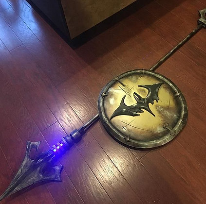 Spartan Batman Spear & Shield w/LED Lights (COSPLAY)