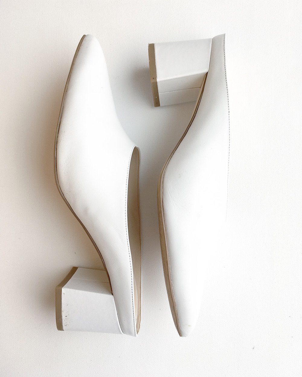 Heartthrob Studio March Essentials: White Chunky Low Heel Mules