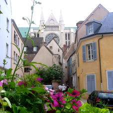 Chartres €325