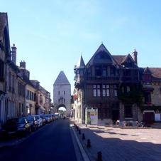 Moret-sur-Loing to Bourron-Marlotte €265