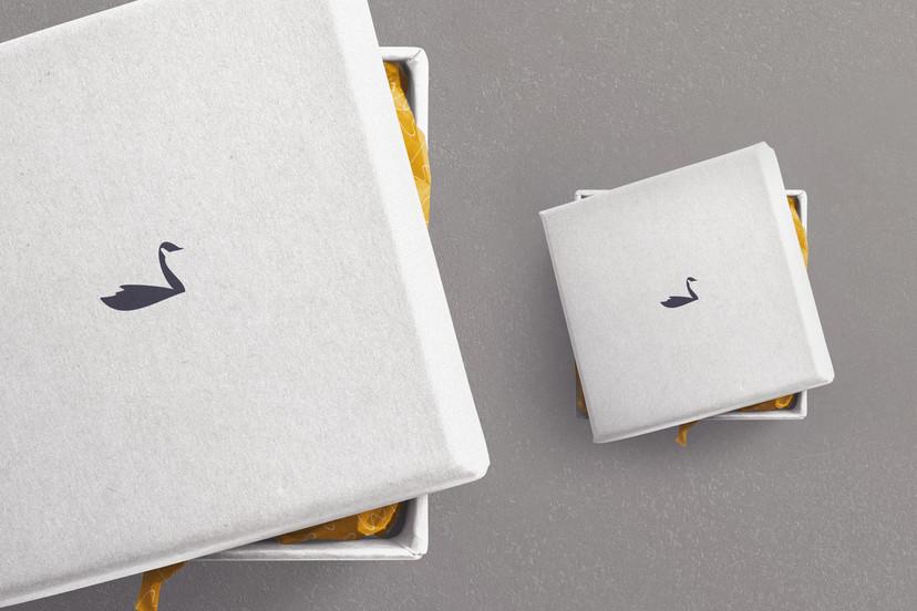leonard square box with lid copy.jpg