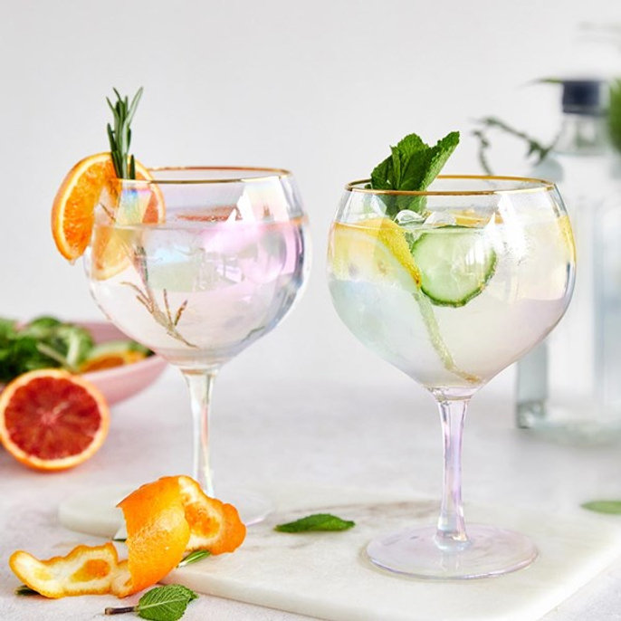Gifts-for-Her-Gin-Balloon-Glasses.jpg