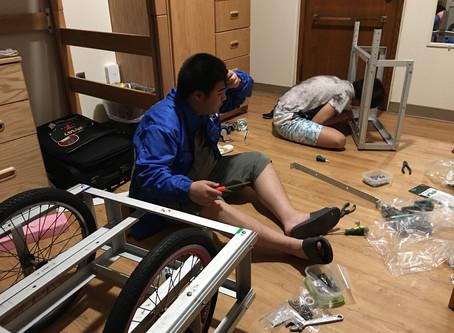 【衝出香港系列】Team Seven 到埗後抓緊時間重組新車