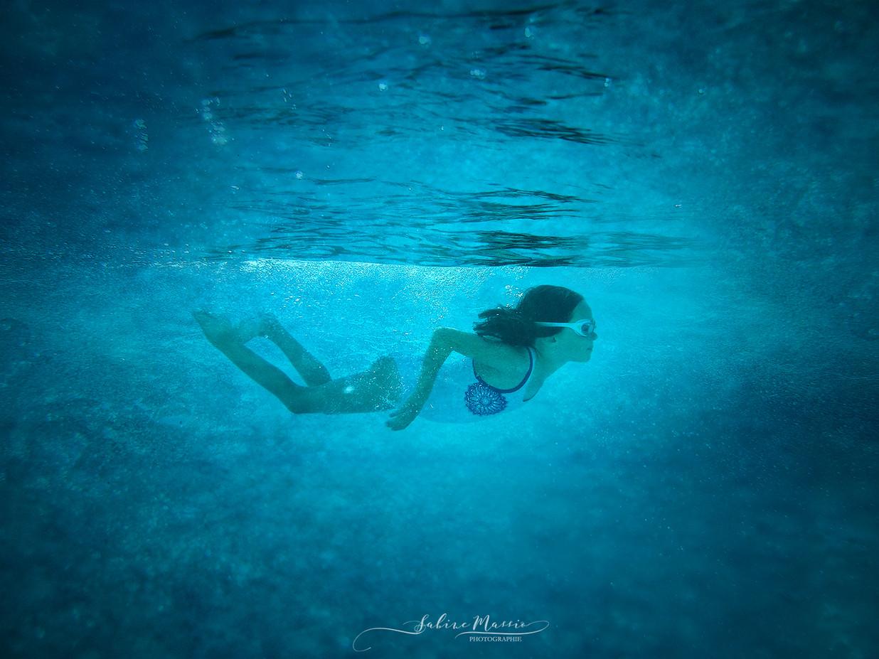 Elina underwater1web.jpg