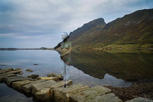 Reflection horizontal 30x45