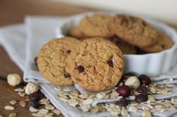 NATURELL Hazelnut & Chocolate Chips Oat Cookies