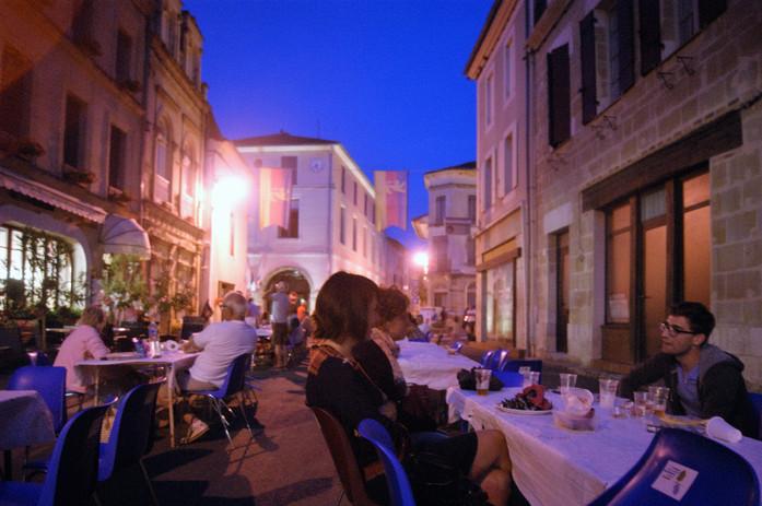Saturday night repas in Lauzun.JPG
