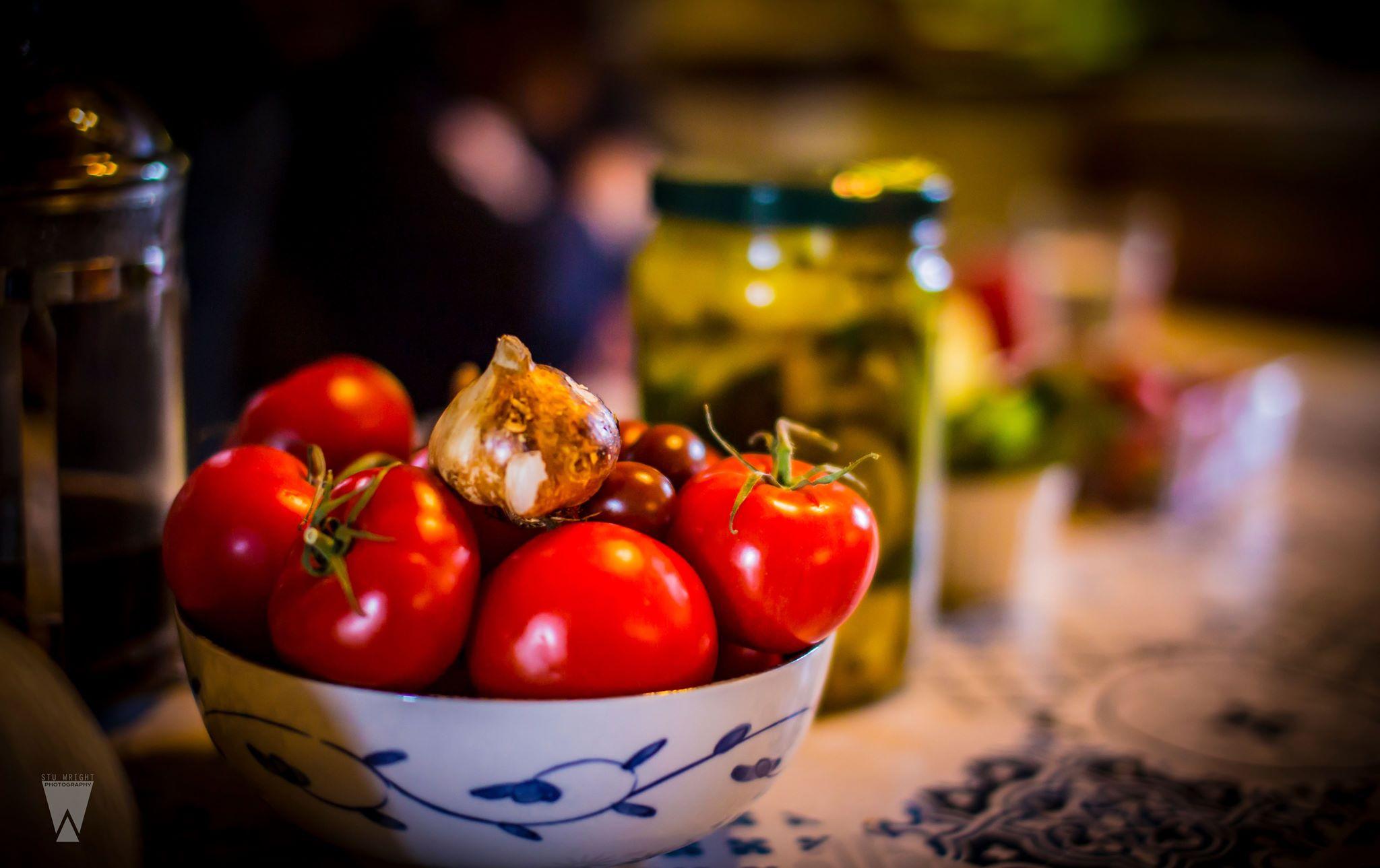 Fresh tomatoes and smoked garlic