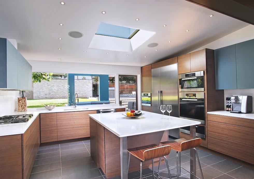 1405 Kitchen 1.jpg