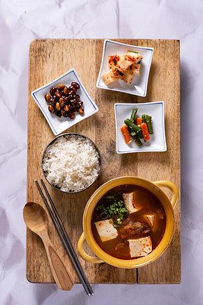 Kimchi Jigae 02.jpg
