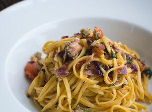Frische Pasta Linguine mit Dill und Gemü