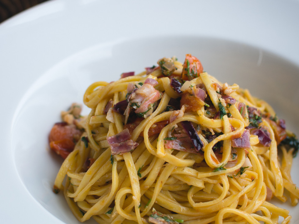 Fresh Pasta Linguine with Dill and Veget