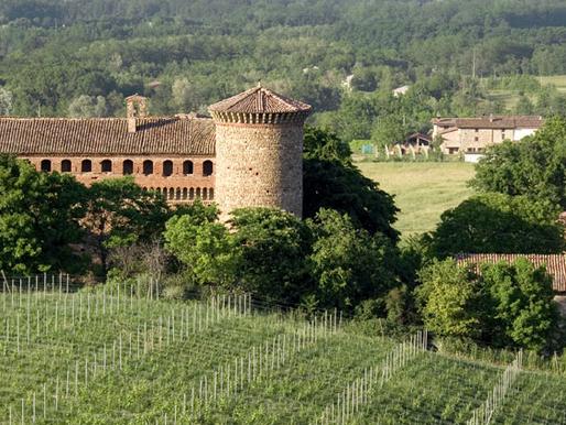 La Cantina Luretta, tra le colline,  i profumi e i sapori