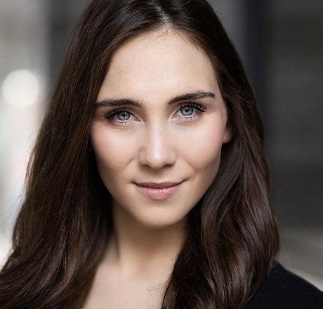 Laura Whelan Headshot 2021.jpg